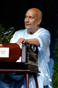 zene-meditacio-Sri-Chinmoy-nyitott-meditacio